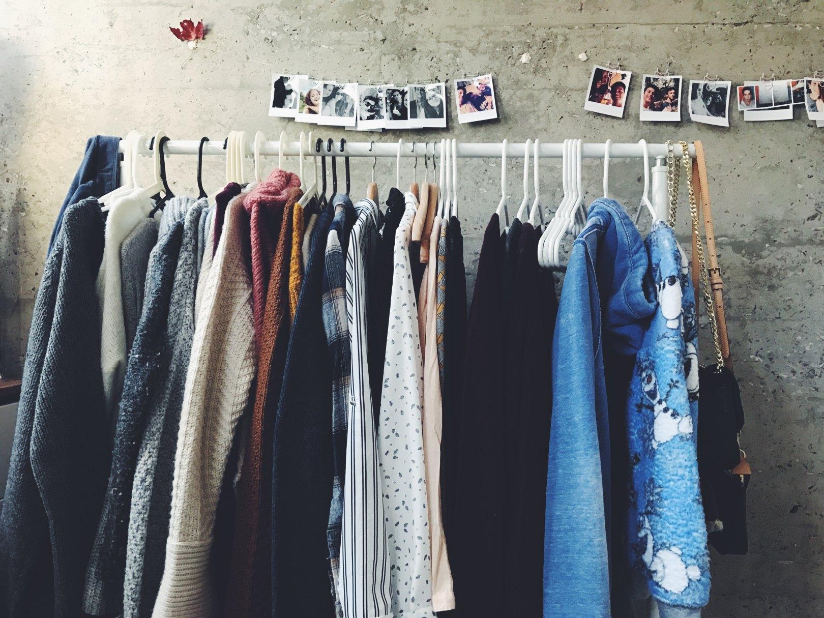 Meine Firma Talent & Soul hat ihren Sitz in Nürnberg.ICh bin Caroline Fischer, die Inhaberin und Betreiberin des Blogs fashionfuntalk. Ich bin als Personality Guide / Stylistin tätig.