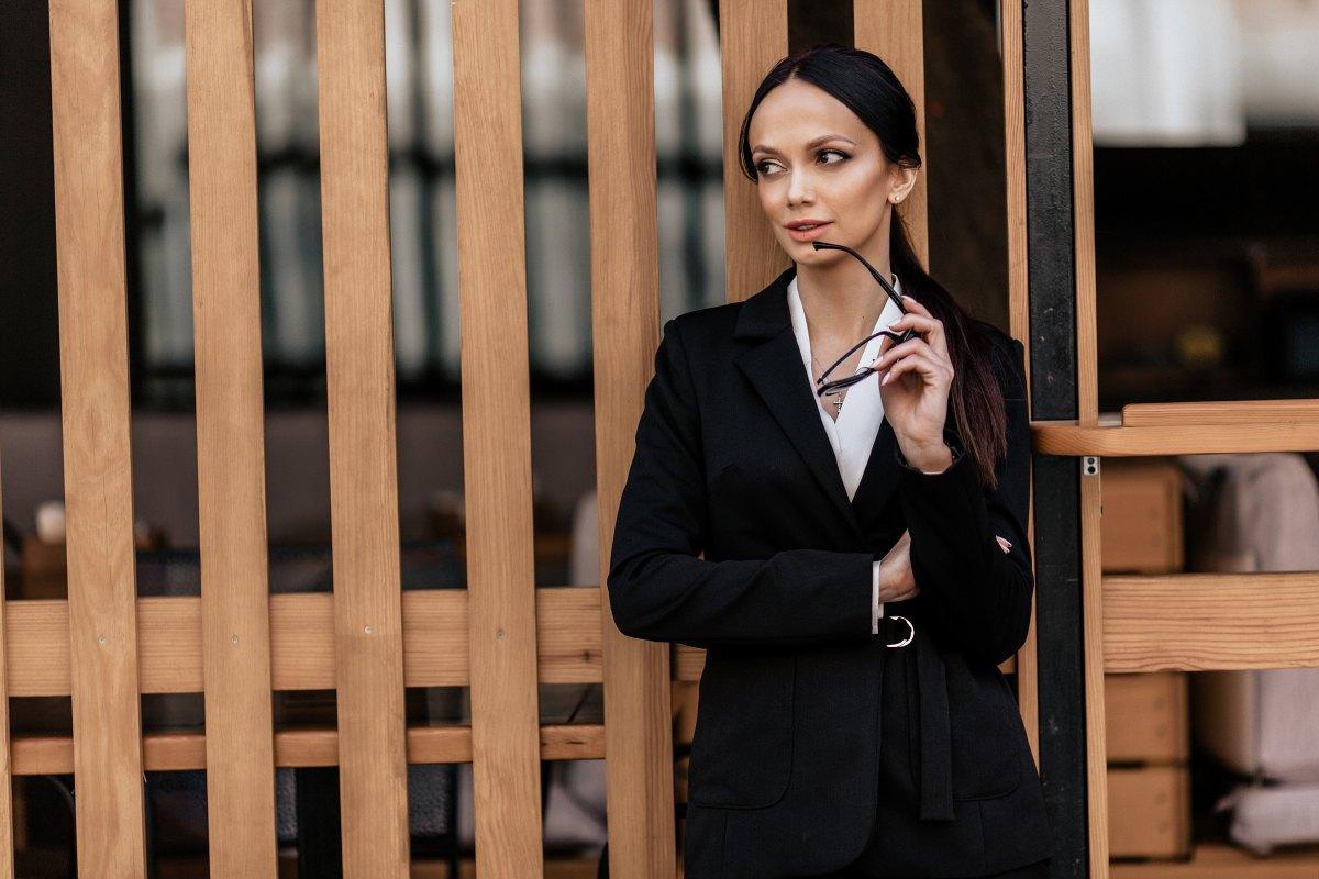Wie Du auch im Business mit Deiner Weiblichkeit und dem richtigen Look punkten kannst!