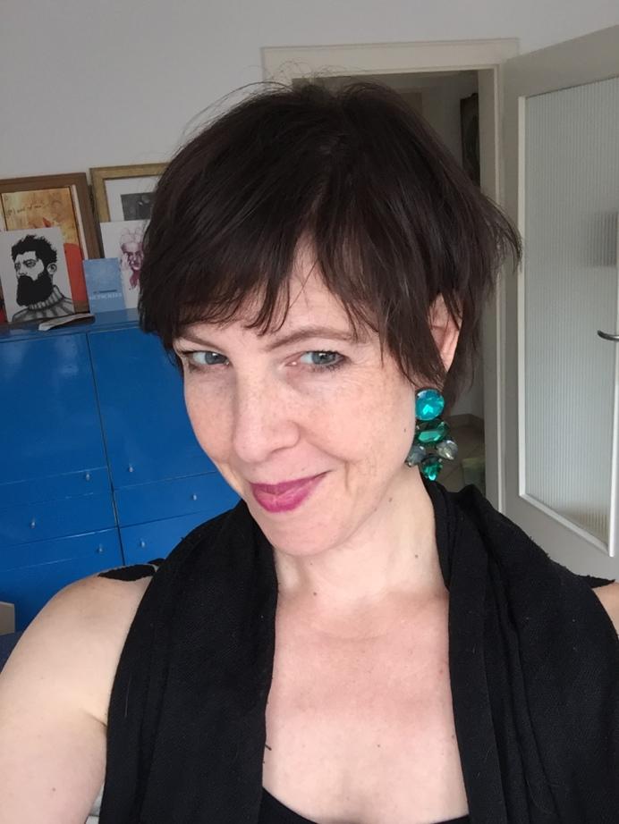 Die etwas andere Stilberatung in Nürnberg gibt es bei Talent & Soul. Die Stylistin und Personality Guide Caroline Fischer ist Inhaberin der Firma und Betreiberin des Blogs fashionfuntalk.blog.